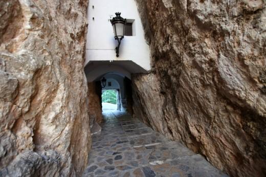 Pasadizo de acceso al castillo de Guadalest (bajada)