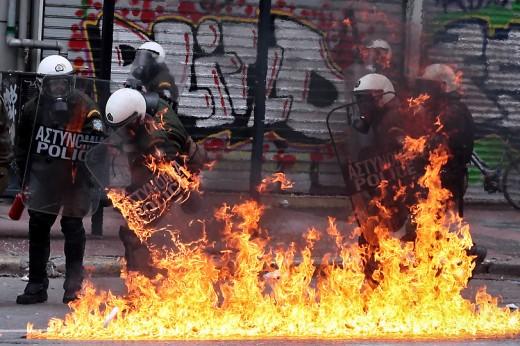 50 fotos de los fuertes disturbios en Atenas el día 10 de febrero