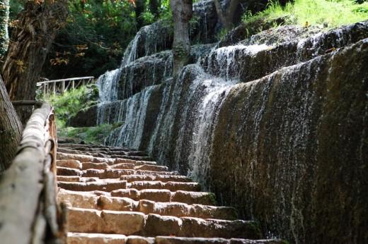 Escaleras con chorreras (río Piedra)