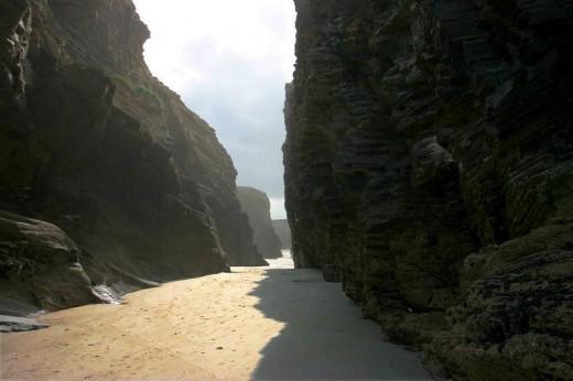 Desfiladero (Playa de las catedrales)