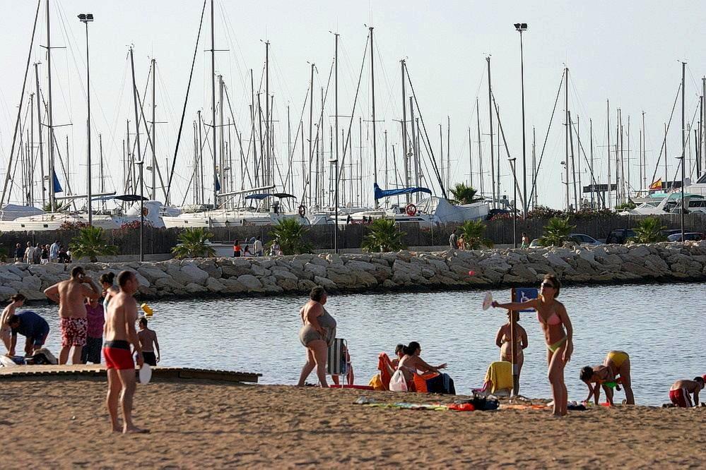 Una mañana en la playa de Denia.