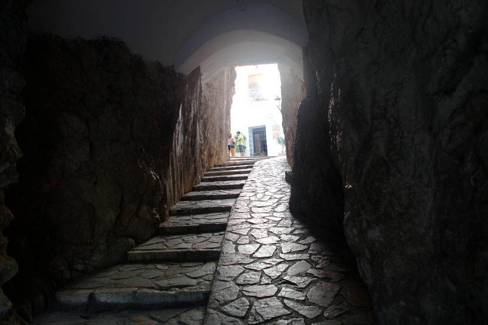 Pasadizo de acceso al castillo de Guadalest (subida)