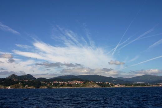 Nube extraña el las costas gallegas.