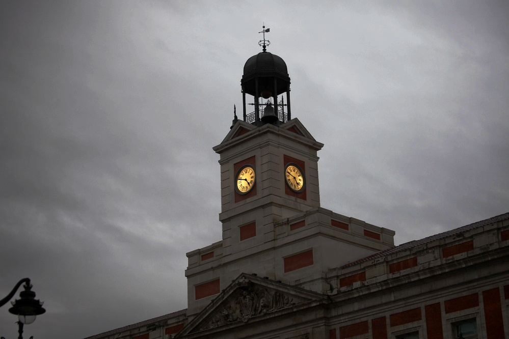 Reloj De La Puerta Del Sol Km Cero De Madrid Foto