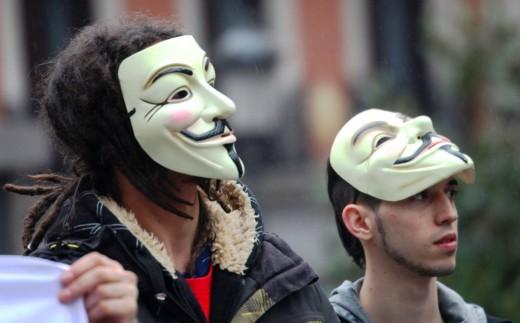 Un anónimo y un semi-anonimo.